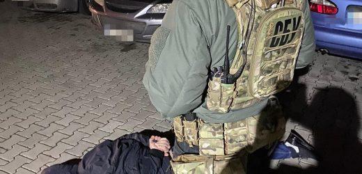 На Закарпатті СБУ затримала організаторів двох міжрегіональних злочинних угруповань, які тероризували громадян