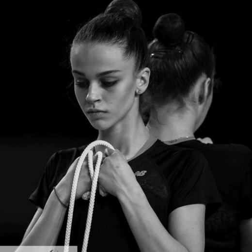 Ужгородська гімнастка Валерія Юзвяк, дворазова чемпіонка Європи, потребує коштовного лікування за кордоном – небайдужих просять допомогти