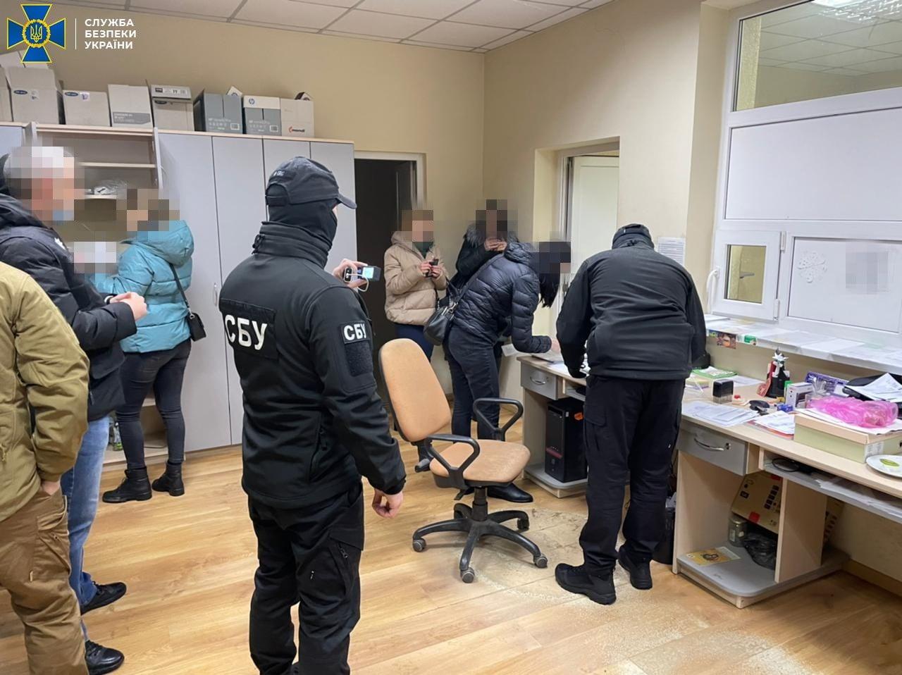 """На Закарпатті СБУ заблокувала схему збуту """"лівого"""" пального на сотні мільйонів гривень"""