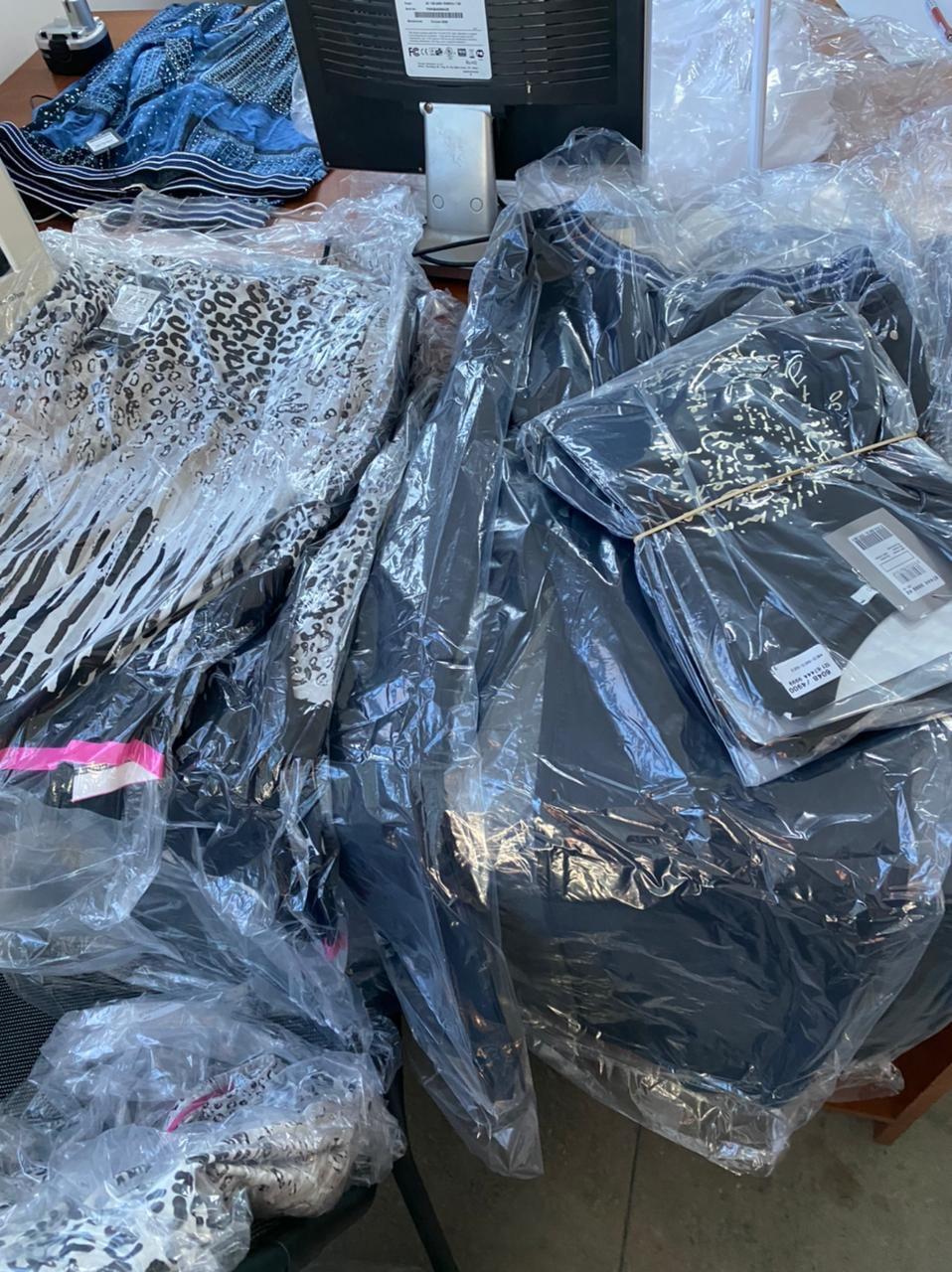 Закарпатські митники вилучили у водія автобуса незадекларовиний одяг на 400 тис. грн.