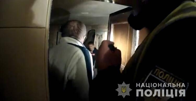 Посеред ночі на Мукачівщині поліцейські врятували молодого чоловіка, який збирався покінчити з життям