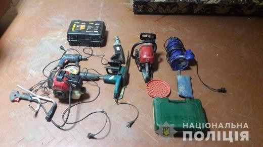 Поліція викрила на Великоберезнянщині групу юнаків, які крали електроінструменти