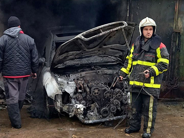 У Мукачівському районі згоріла іномарка
