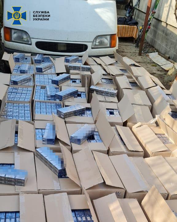 СБУ викрила на Берегівщині масштабну оборудку з контрабанди тютюнових виробів