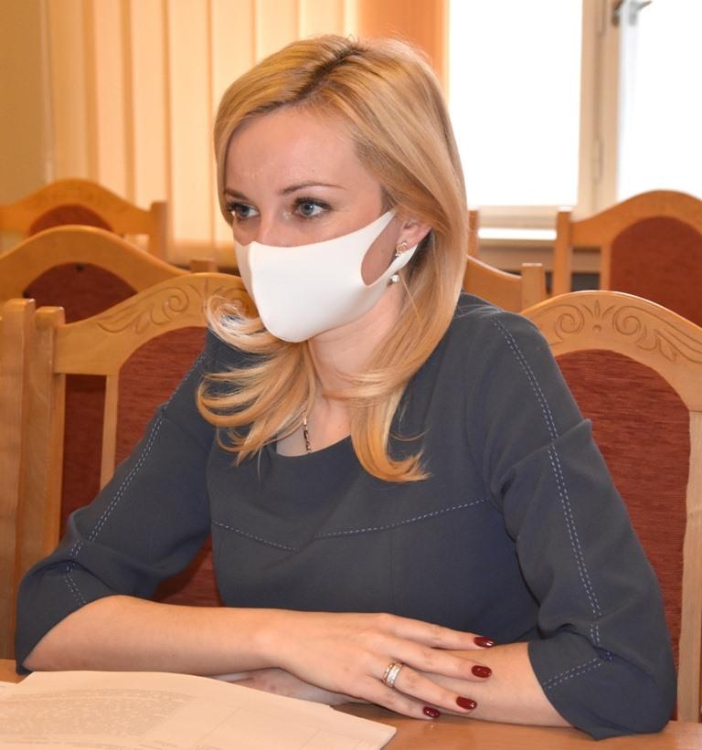 Наталія Шетеля провела засідання комісії з гуманітарних питань Закарпатської облради