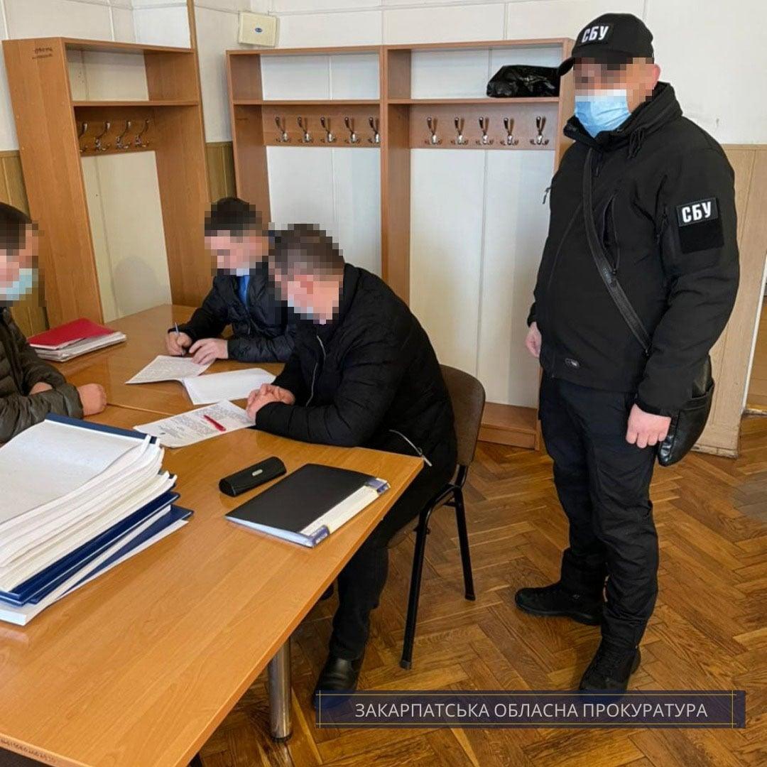 Посадовці Ужгородської дирекції залізничних перевезень організували корупційну схему транзиту залізничного транспорту з РФ
