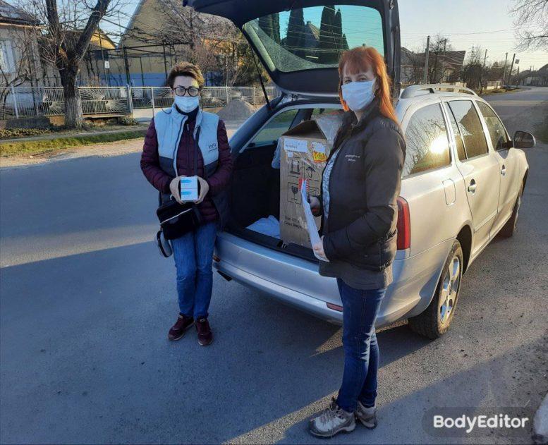 Волонтери Закарпаття передали черговий кисневий коцентратор хворим на COVID-19