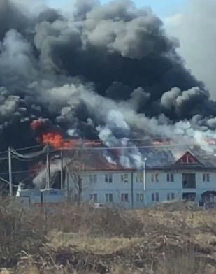На Тячівщині одночасно горять два житлові будинки