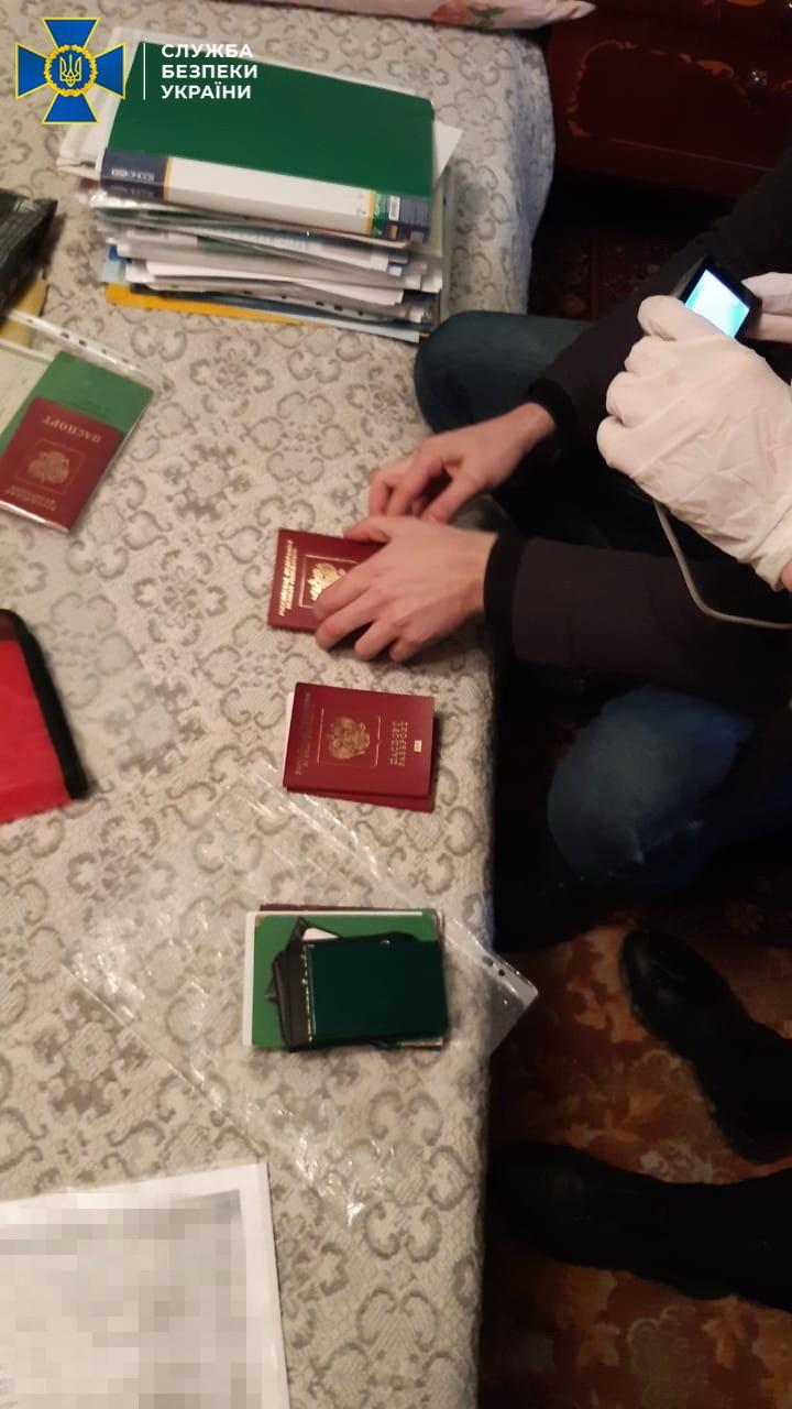 СБУ на Закарпатті заблокувала канал незаконного переправлення громадян Росії до країн ЄС, Великої Британії та США