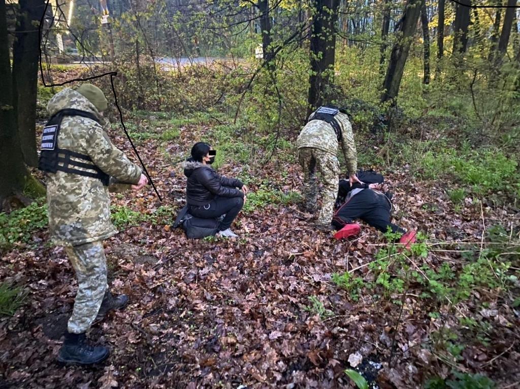 Прикордонники затримали поблизу Ужгорода трьох нелегалів з Домініканської республіки