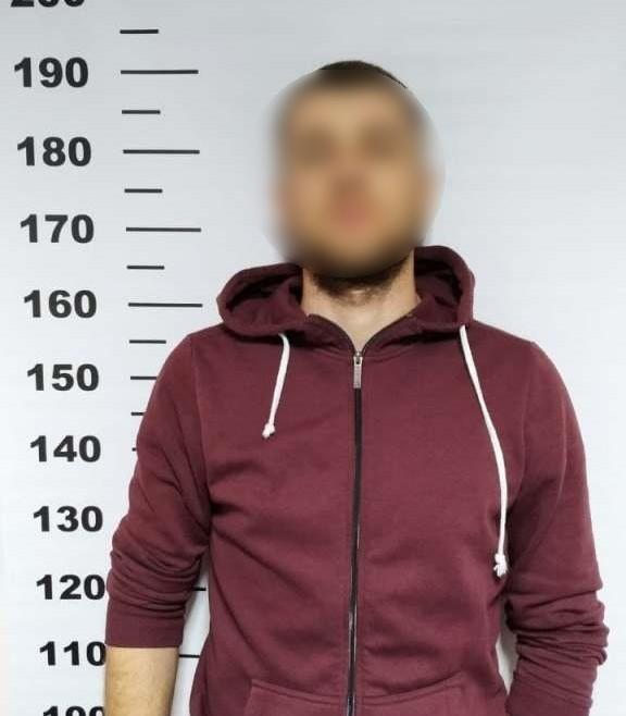 Закарпатські прикордонники затримали чоловіка, розшукуваного за низку злочинів