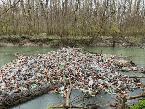 У Закарпатській ОДА розповіли, що робитимуть із сміттєвими заторами на Боржаві