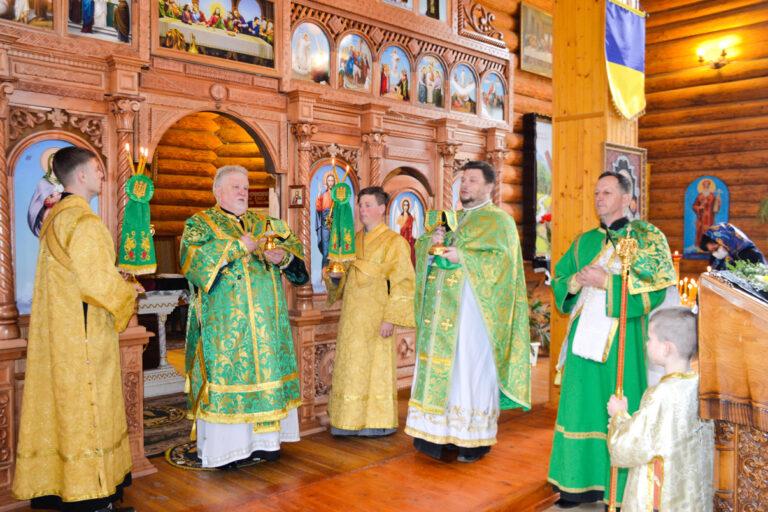 У Вербну неділю, Єпископ Мукачівський і Карпатський Віктор Бедь очолив Божественну літургію в кафедральному храмі м. Ужгород