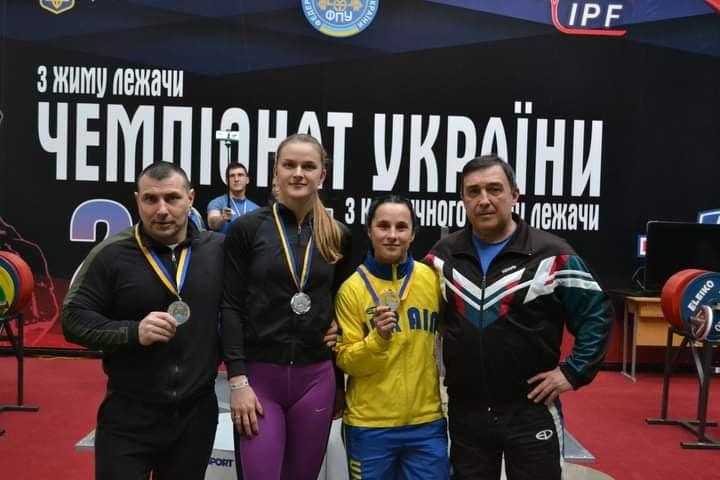 Пауерліфтери Закарпаття вибороли медалі чемпіонатів України