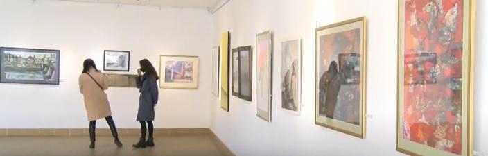 """В Ужгороді відкрилася традиційна обласна виставка """"Графічне Закарпаття"""" (ВІДЕО)"""