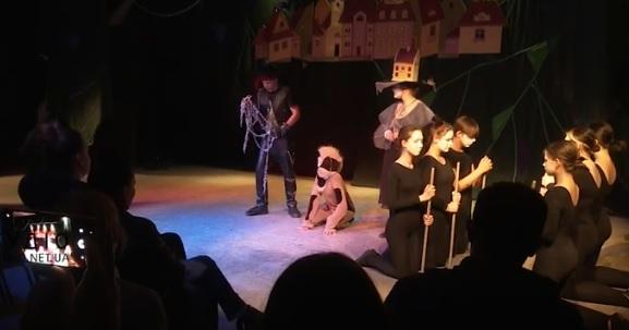 Допрем'єрний показ вистави «Пес, який зірвався з ланцюга» відбувся на Малій сцені Закарпатського облмуздрамтеатру (ВІДЕО)