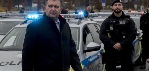 Після депортації російських шпигунів  віцепрем'єр Чехії Гамачек отримав посилену охорону