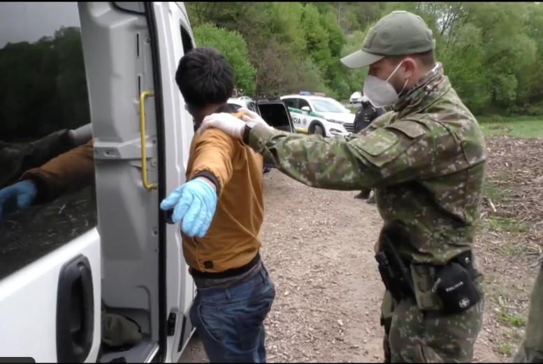 Словацька поліція затримала 12 нелегальних мігрантів, які прийшли з Закарпаття