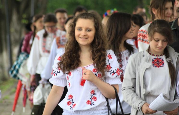 Ужгородців запрошують долучитися до Маршу вишиванок