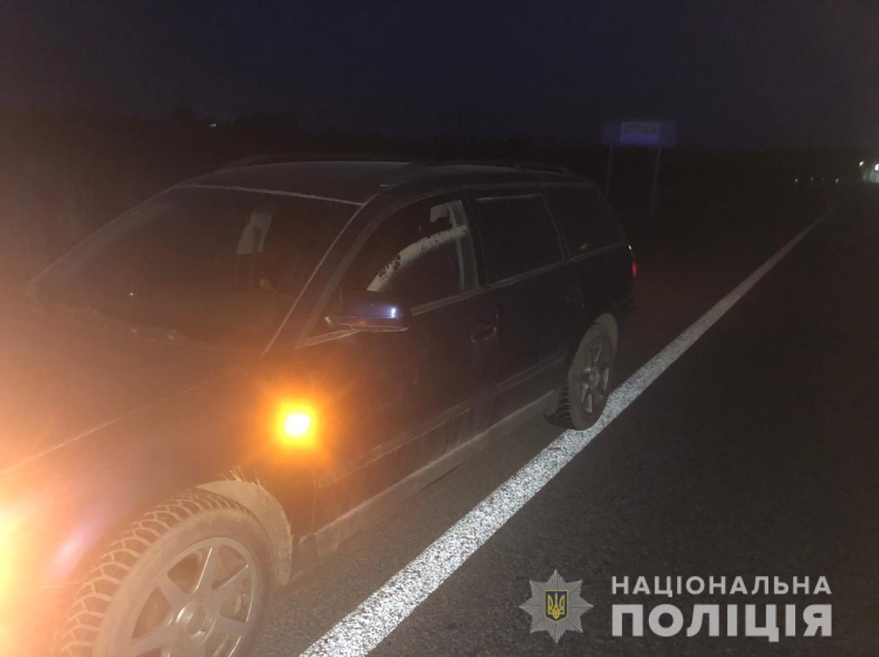 """Двоє зловмисників вкрали """"Фольксваген"""" ужгородця, а поліція затримала їх раніше, ніж власник помітив відсутність автівки"""