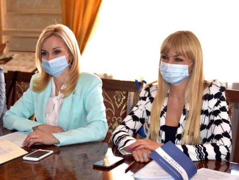 Гуманітарна комісія Закарпатської облради розглянули питання про надання статусу «Академічний» творчим колективам філармонії