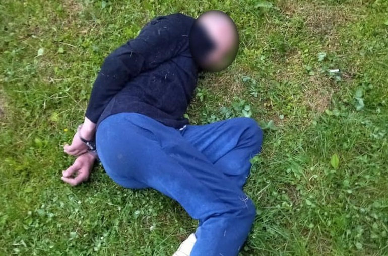 Небайдужий громадянин допоміг ужгородським патрульним затримати квартирного злодія