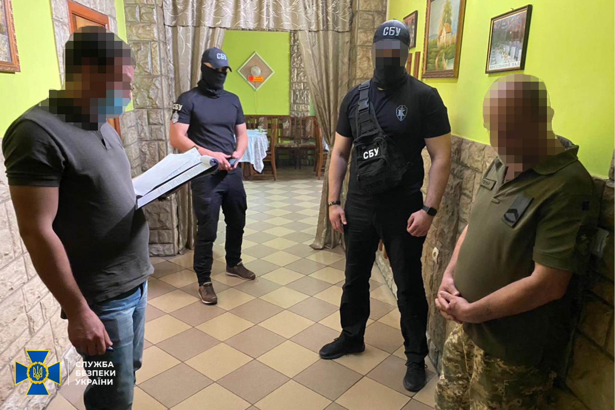 СБУ викрила на Закарпатті військовослужбовця, який допомагав призовникам ухилятися від служби в армії