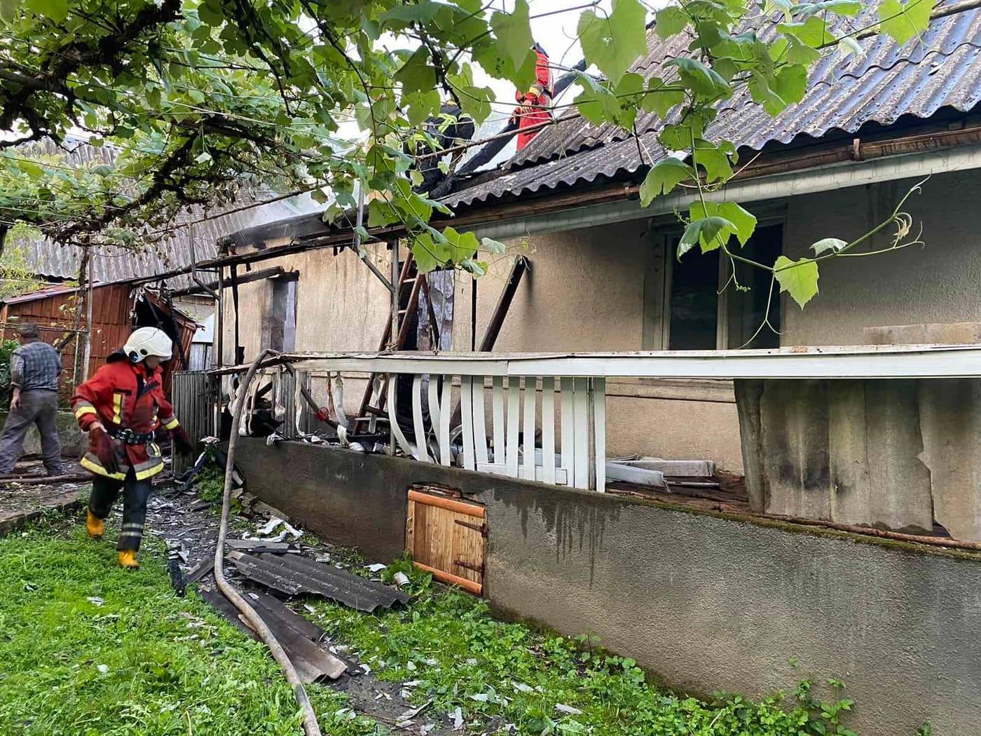 На Хустщині під час пожежі в будинку загинув чоловік