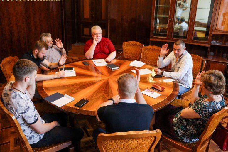 Комісія з питань українського національного відродження рекомендує Закарпатській облраді відновити діяльність редакційно-видавничої групи «Реабілітовані історією»