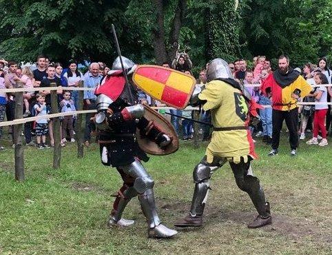 """Лицарський турнір фестивалю """"Dovhe Castrum Fest"""" на Закарпатті (відео)"""