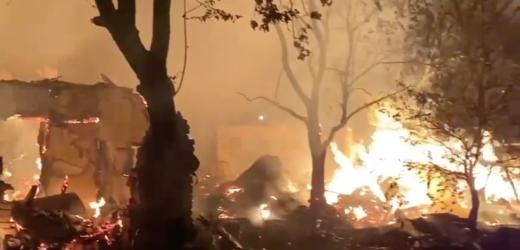 В Ужгороді згорів ромський табір (відео)