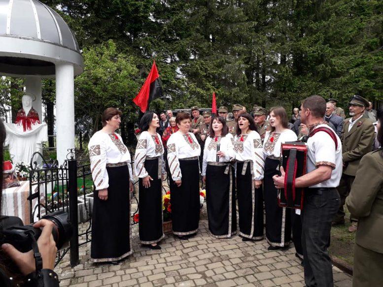 """На Яблуницькому перевалі вшанували воїнів """"Карпатської Січі"""""""