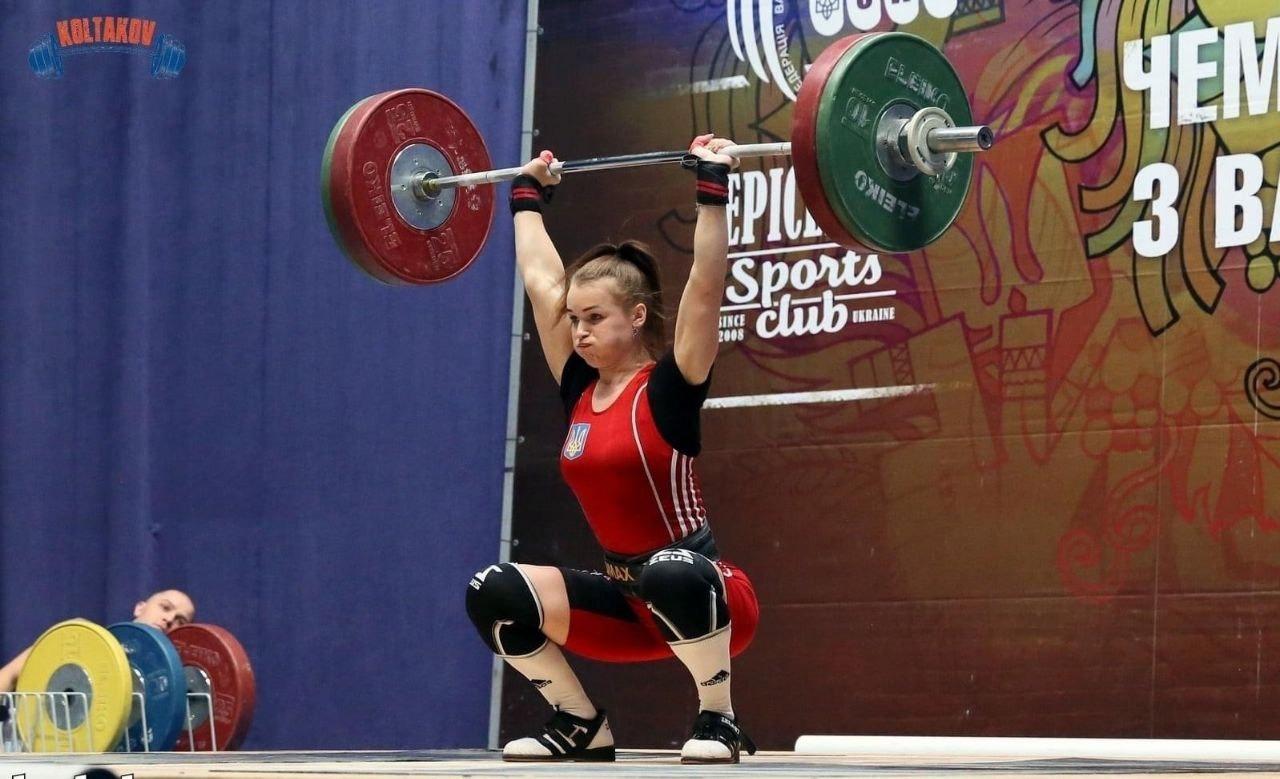 Закарпатська спортсменка стала срібною призеркою чемпіонату України з важкої атлетики