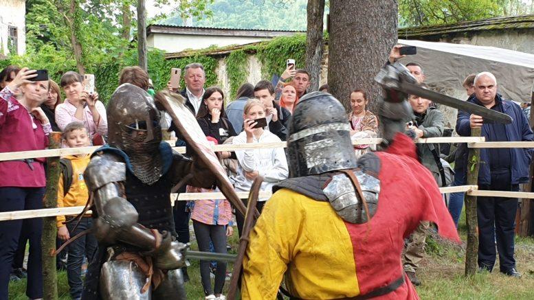 На Закарпатті стартував фестиваль середньовічної культури «DOVHE CASTRUM FEST»