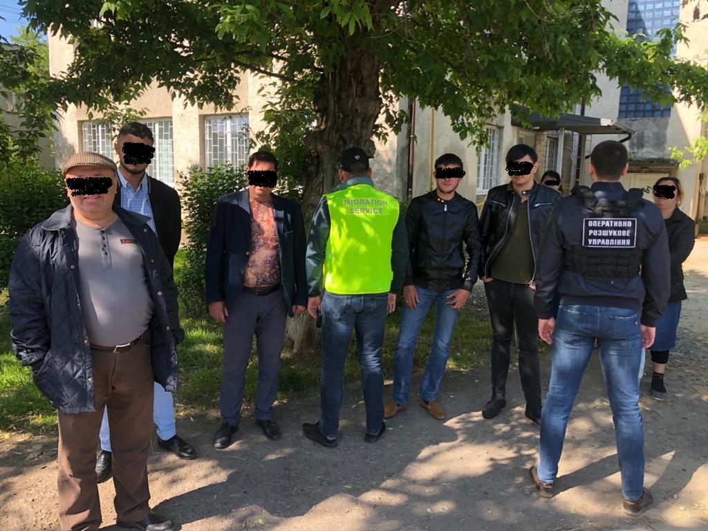 Правоохоронці виявили в одному з ужгородських хостелів 8 нелегалів з Молдови
