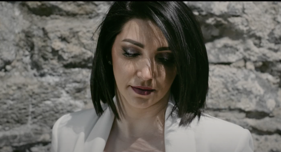 Прем'єра крутого кліпу від закарпатки SirmA (відео)