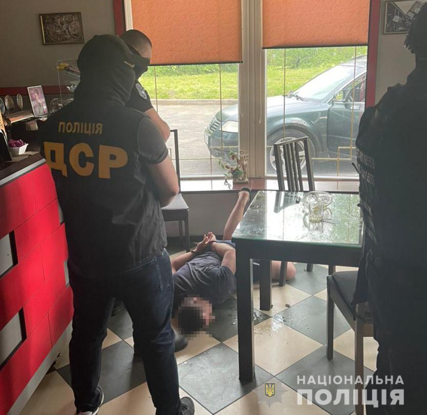 """НаЗакарпатті викрили групу вимагачів під керівництвом кримінального """"авторитета"""""""