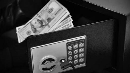 Поліція розшукала чоловіка, який пограбував пункт обміну валют у Берегові