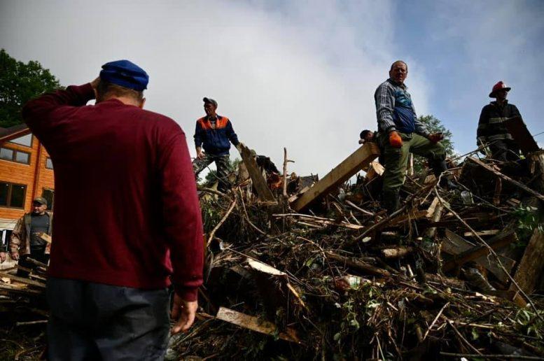 Роботи з ліквідації наслідків паводку в Ясінянській ОТГ продовжуються