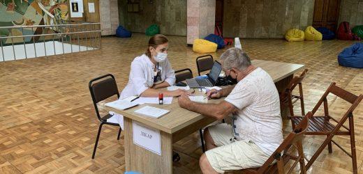 Тільки 3% закарпатців повністю вакциновані від COVID-19