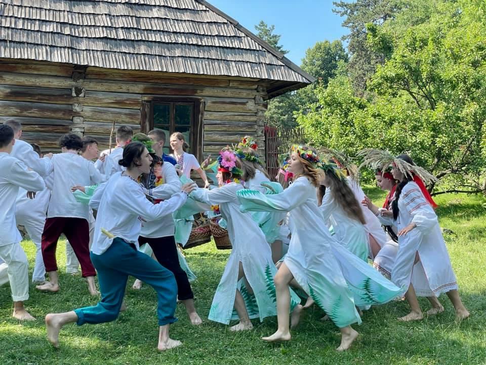 """В ужгородському скансені """"круто"""" відзначили свято Івана Купала (відео)"""