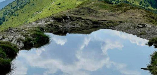 """На Закарпатті, під Стримбою причаїлося """"фантастичне"""" озерце (фото)"""