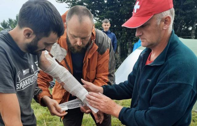 У горах на Закарпатті від удару блискавки постраждали троє туристів