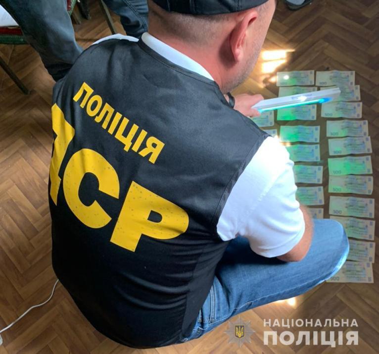 Директора комунального підприємства на Тячівщині викрили на вимаганні та одержанні хабаря