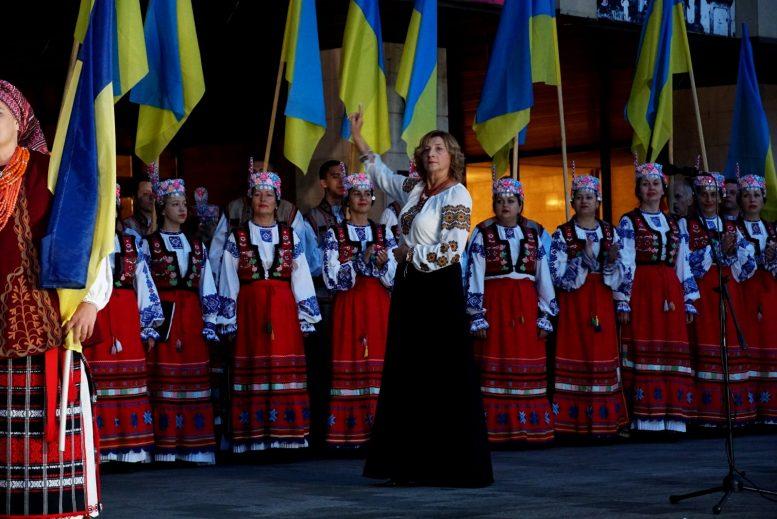 """Світанок 30-ї річниці Незалежності Ужгород зустрів """"Молитвою за Україну"""""""