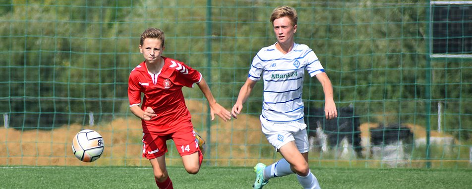 На Закарпатті стартував міжнародний юнацький футбольний турнір