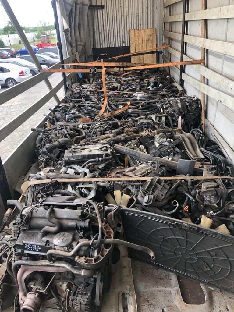 Закарпатські митники вилучили автозапчастини вартістю майже 390 тис. грн., які намагалися ввезти в Україну за підробленими документами