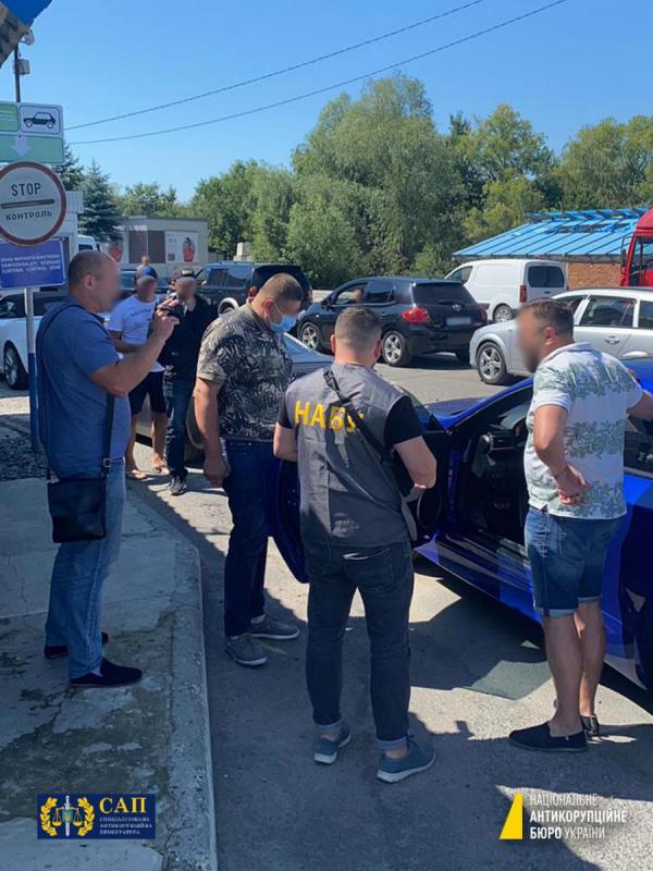 Підозрюваного в організованому розкраданні 27 мільйонів гривень заступника мера Миколаєва затримали на Закарпатті при спробі втекти з України