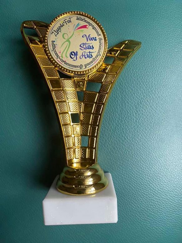 """Ужгородську студентку визнано Лауреатом 1-ї преміі Міжнародного фестивалію """"Viva Stars Of Arts''"""