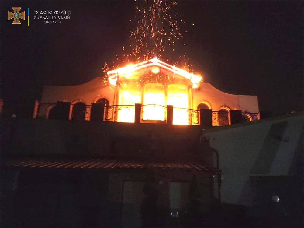На світанку у Іршаві загорівся готель